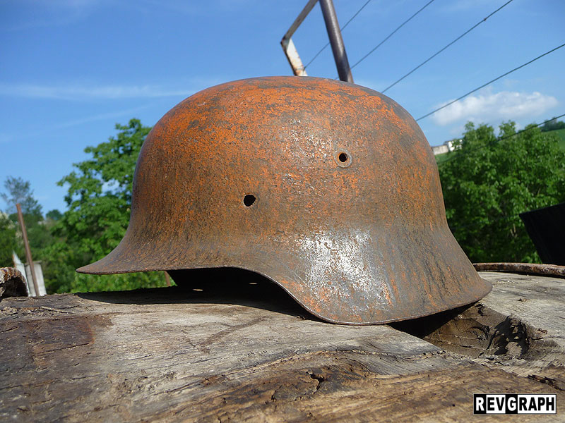 HOW TO RESTORE AND PAINT A GERMAN HELMET - COME RESTAURARE E